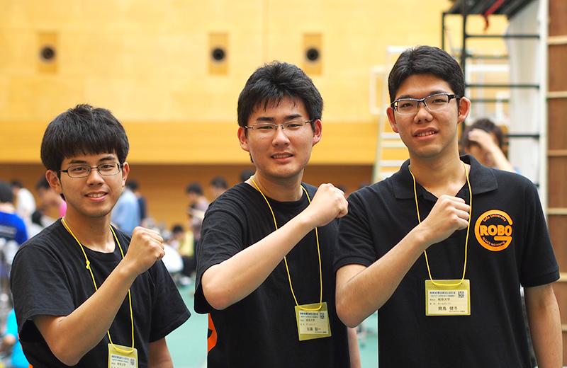 写真左より日比野孝俊さん、夏目嵩久さん、幾島健冬さん