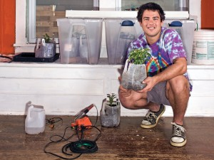 http://ideahack.me/article/45 http://makezine.com/projects/Garduino-Geek-Gardening/#.UOqWwrZPHFz