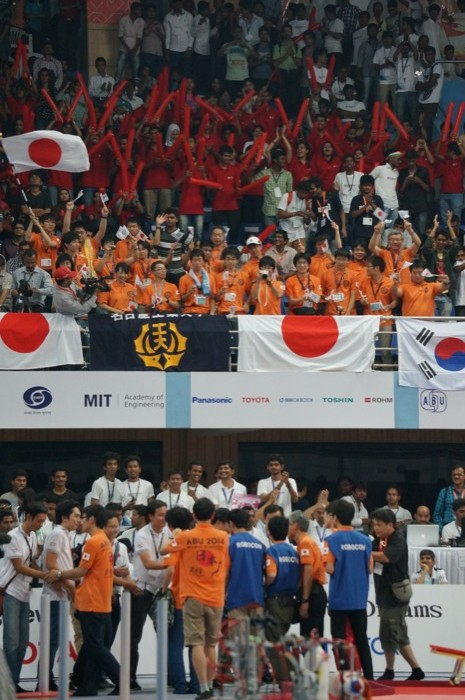 ABUロボコン2014:日本チームと応援団