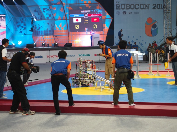 ABUロボコン決勝:日本チーム