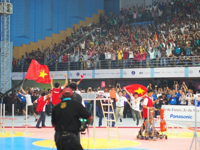 ABUロボコン決勝:ベトナムチーム