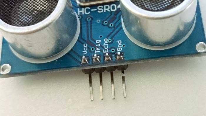 写真2 超音波センサの接続端子