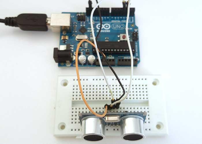 写真3超音波センサモジュールのテスト回路