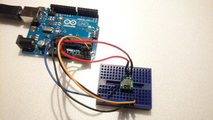 写真2 Arduinoと加速度センサ
