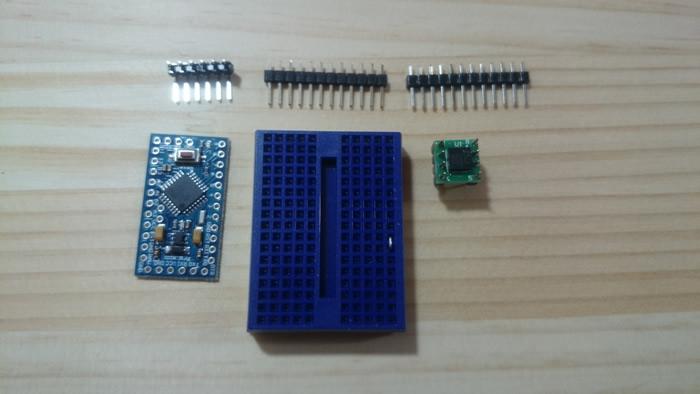 写真13 Arduino Pro Miniと加速度センサ