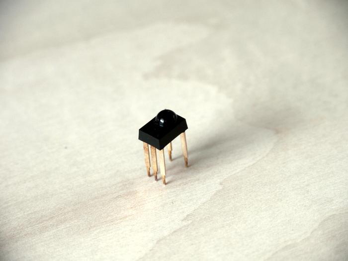写真1 赤外線受信モジュール