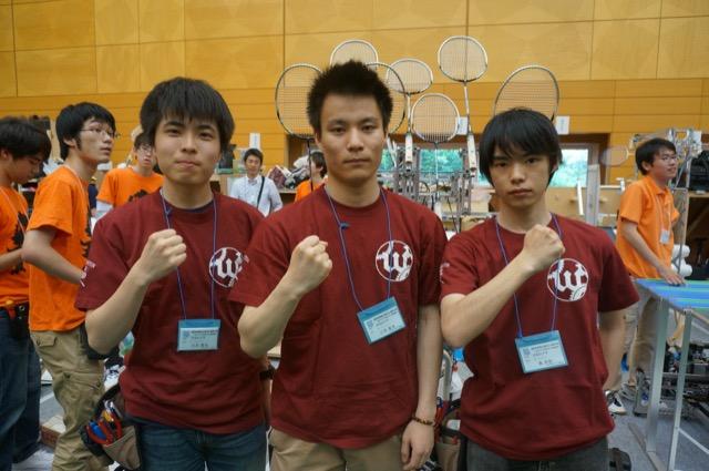 写真左より花尻賢祐さん、三宅章太さん、島圭佑さん