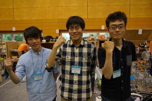 写真左より安達波平さん、齋藤泰悟さん、工藤脩さん