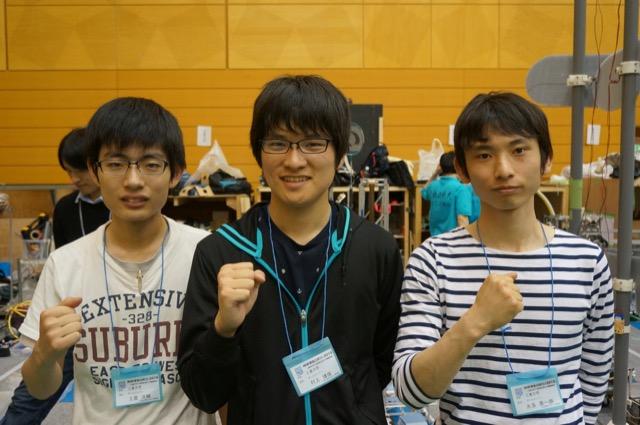 写真左より土屋洋輔さん、村上博俊さん、永添晃一朗さん