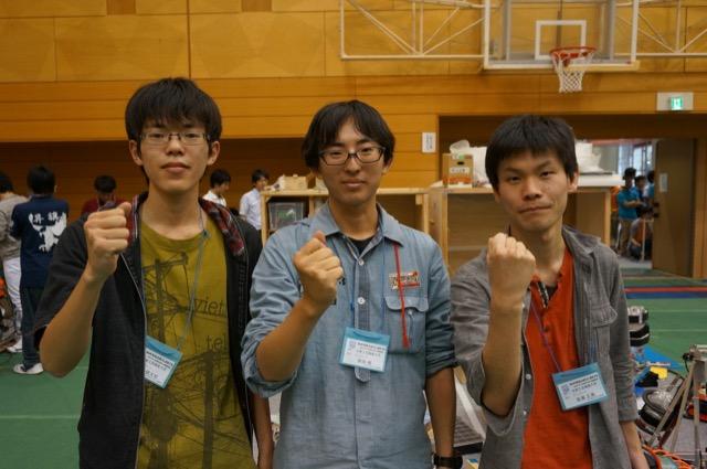 写真左より田中健太郎さん、柴田侑さん、髙瀬正典さん