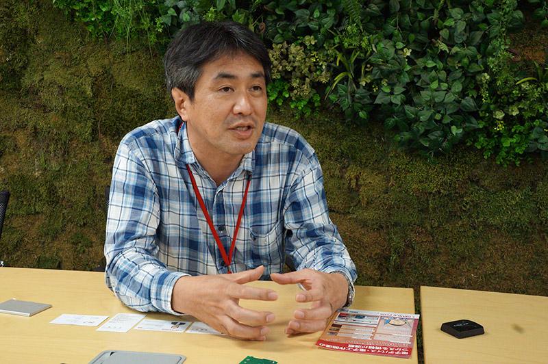 秋田純一さんは金沢大学教授。専門は半導体