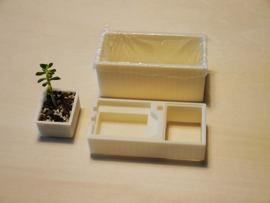 写真2.3Dプリンターで出力されたケース部品