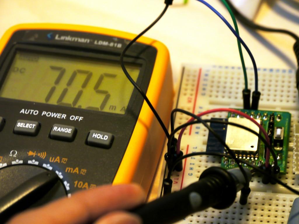 写真2 電流を計測すると70mA程度を計測