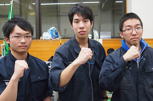 写真左より水丸和樹さん、白岩良介さん、佐々木勇斗さん
