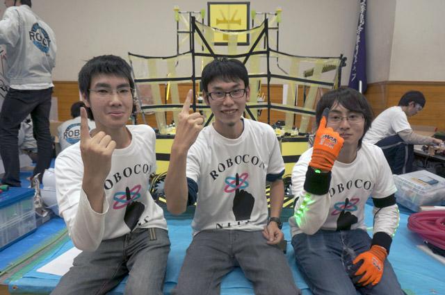 写真左より佐藤克樹さん、堀貴仁さん、高橋彬さん
