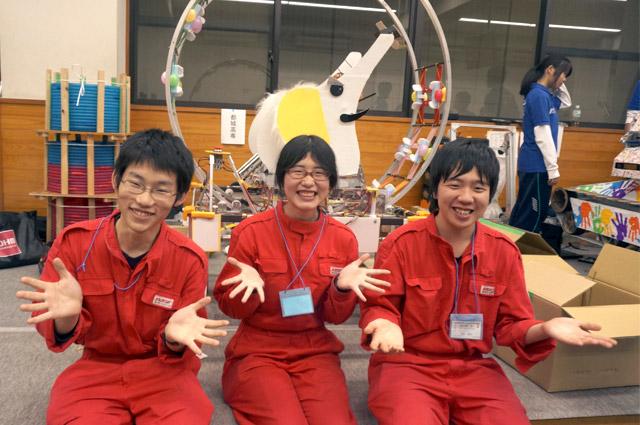 写真左より益留雅武さん、日髙菜奈さん、中埜友晶さん
