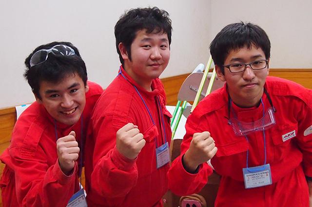 写真左より下井智大さん、松清啓太さん、土井悠太郎さん