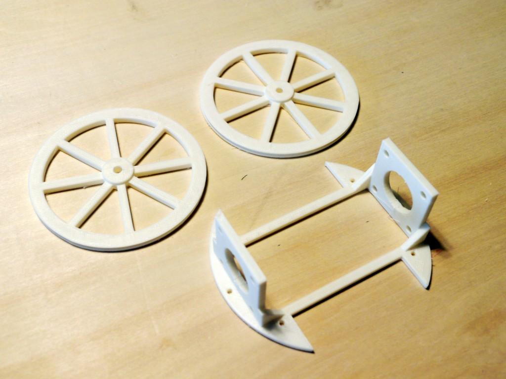 写真3 3Dプリンターでパーツの出力