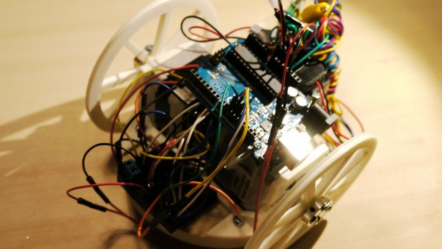 ステッピングモーターで2輪走行ロボットを作成(中編)〜Arduinoでパーツやセンサーを使ってみよう