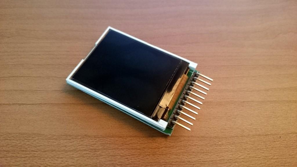 写真7 1.8インチTFT液晶モニタ