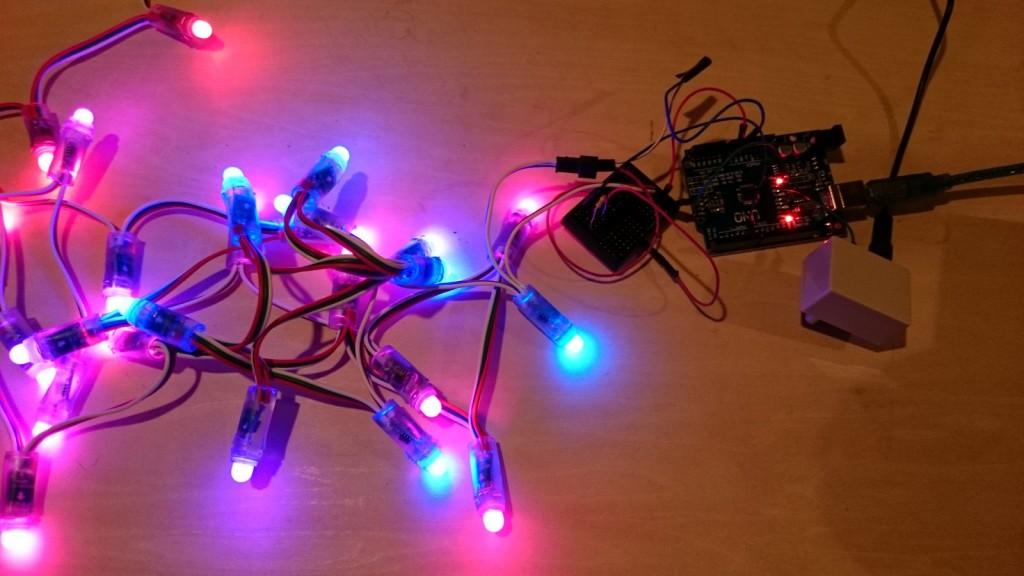 写真5 ArduinoのLEDテープを光らせる