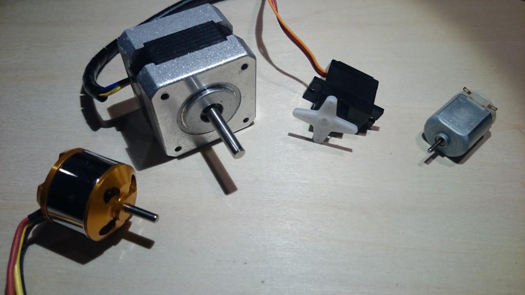 写真2 色々なモーター(左からブラシレス、ステッピング、サーボ、通常のモーター)
