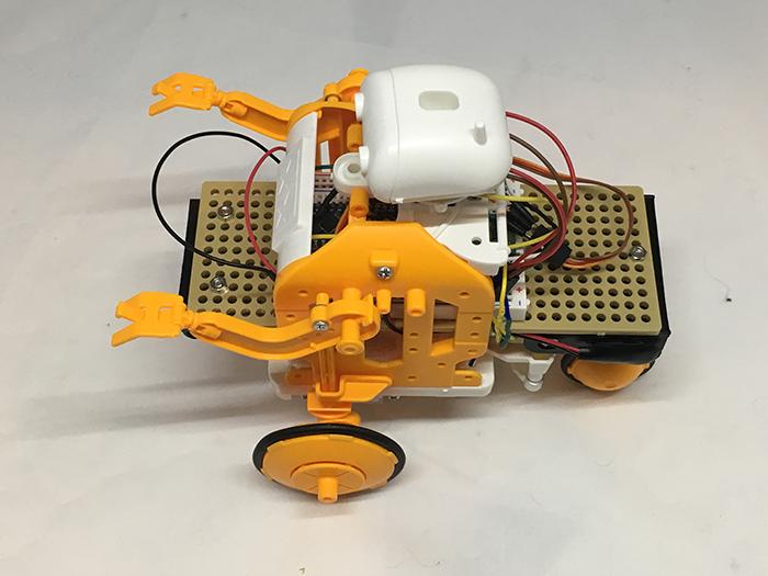 写真5 Arduino Nano版のチェーンプログラムロボットが完成したところ