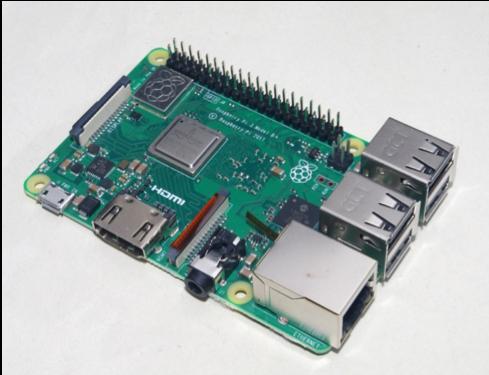 今回はRaspberry Pi 3 Model B+を使用