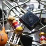 デジタルトランジスタで部品削減、シンプル回路の第一歩